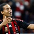 """Az AC Milan nyolcmillió euróban állapította meg brazil támadója, Ronaldinho kivásárlási árát. """"Aki vinni akarja..."""