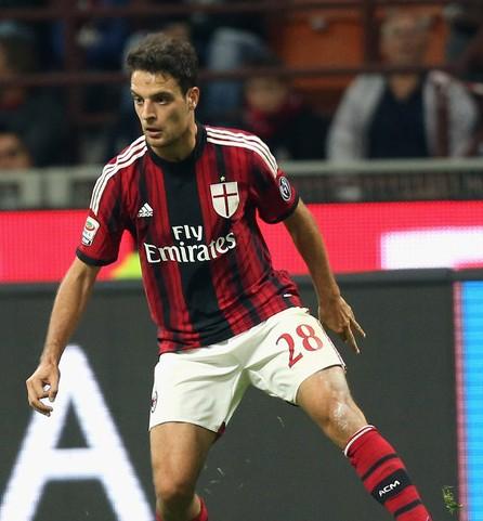 """Giacomo Bonaventura, a Milan olasz középpályása szerint versenyhelyzet van a csapatnál és szeretne legalább egy...<div class=""""addthis_toolbox addthis_default_style """" addthis:url='http://www.acmilan.hu/2014/10/22/bonaventura-az-elso-goljarol-es-a-celjairol/' addthis:title='Bonaventura az első góljáról és a céljairól '  ><a class=""""addthis_button_facebook_like"""" fb:like:layout=""""button_count""""></a><a class=""""addthis_button_tweet""""></a><a class=""""addthis_button_google_plusone"""" g:plusone:size=""""medium""""></a><a class=""""addthis_counter addthis_pill_style""""></a></div>"""