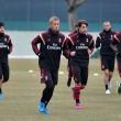 A Milan visszatér a 4-3-3-as játékrendszerhez és a hétvégi Hellas Verona elleni mérkőzésen Michael Essien...