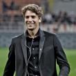 A hétvége egyik legnagyobb szenzációját szolgáltatta a Milan, miután 1-0-ra legyőzte a bajnokságban a Juventust egy saját nevelésű futballista, Manuel Locatelli góljával. Pontosítsunk: Manuel Locatelli elképesztően nagy góljával. De ki ez a 18 éves fiú, és honnan került elő? Az Origo.hu cikke következik.