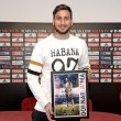 Gianluigi Donnarumma, a Milan olasz válogatott kapusa vehette át a Goal.com internetes oldal díját, amelyet...