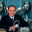 Silvio Berlusconi 31 év után megvált szeretett klubjától. Az olasz üzletember tegnap levélben búcsúzott el....