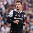 A török válogatott középpályás ebben a szezonban 32 tétmeccsen 7 gólpasszt jegyzett.